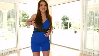 Brunette amateur Taylor Vixex is taking off her blue dress in the kitchen № 30793 загрузить