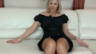 Slutty blonde mom in stockings shows off her blowjob skills in the car № 359656 загрузить